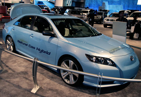 Click for high-res image gallery of the Toyoat CNG hybrid Camry