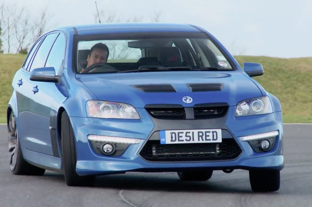Evo Races Audi RS6 Against Vauxhall VXR8