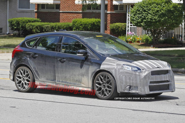Ford Focus RS: Spy Shots