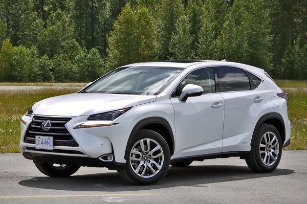 2015 Lexus NX 300h front three-quarter