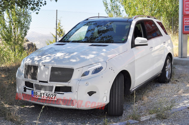 Mercedes-Benz M-Class Spy Shots
