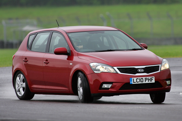Kia Cee'd on the Top Gear Test Track